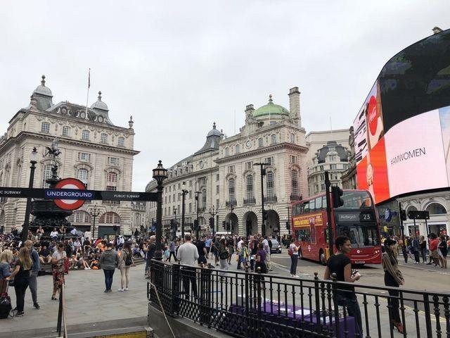 Londra: scatta la quarantena di 14 giorni per chi arriva dall'Italia